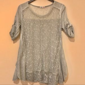 Tops - ⭐️NEW⭐️Made in Italy Lace/Crochet Accent Tunic